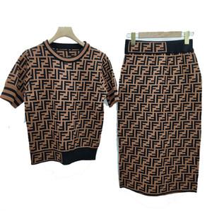 2019 nouvel été manches courtes t-shirts + jupe jupe de mode couture jacquard lettre f casual tricot femmes vêtements deux pièces ensembles taille s