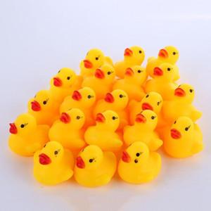 Moda Bagno d'acqua Anatra giocattolo del bambino piccola anatra giocattolo Mini gomma gialla anatre bambini Nuoto in mare regalo WY292Q
