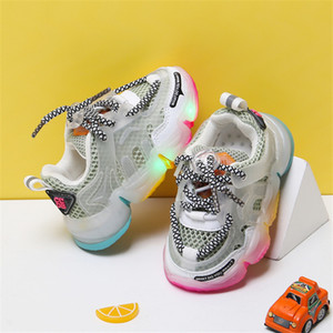 DIMI 2020 neue Baby-Light Up Schuhe Qualitäts-Baby-Kleinkind-Schuh-Breathable Ineinander greifen Bunte Bottom-Kind-Turnschuhe für Mädchen