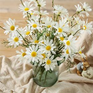 5 Kafaları / Şube Yapay Dasiy Çiçekler Ipek Sahte Çiçekler Dekoratif Ercik Küçük Papatya Düğün Holding için Çiçekler Ev Dekorasyon