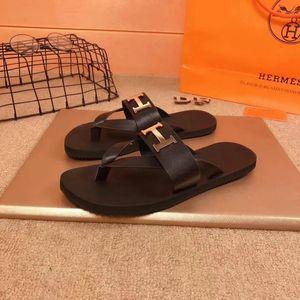 2020 Männer Mit Box Italien Marke Hausschuhe Designer Sandalen Slides Top Markendesigner Schuhe Animal Design Huaraches Flip Flops Müßiggänger