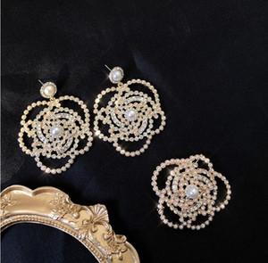 2020 Французский ретро высокого класса флэш Diamond Перл Camellia Брошь Элегантный Темперамент Полный Алмазное серебро Pin Серьги Броши Set