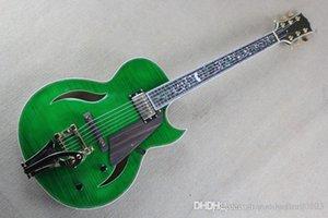 Livraison gratuite Tree of Life Inlay FRETBOARD trou F jazz guitare électrique bigsby vert beauté avec du matériel d'or