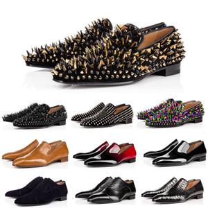 2020 Moda Masculina rebite partido preto strass sapatos de casamento apartamentos Sapato de bico fino com tendência Brock vento faculdade pequenos sapatos de couro dos homens