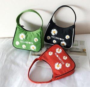 nuevos bolsos de lujo del diseñador monederos mujeres bolsa de mini axilar verano bandolera pequeña Daisy Bolsas de playa del color del caramelo