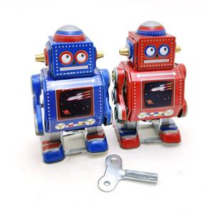 Tinplate dos desenhos animados do robô Wind-up Toy, Retro Clockwork Toy Handmade, ornamento, Nostalgic Estilo, 'partido do miúdo dos presentes do Natal de aniversário, coletando