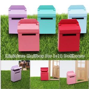 1/12 Boneca de escala Casa Miniatura Mobiliário Clássico Exterior de madeira Caixa de Correio DIY Acessório Handmade Kids Giftware A2125