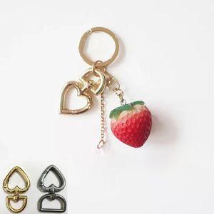 Corazón de metal hebillas llavero para bolsa bolso correa ganchos de seguridad llavero collar de perro giratorio Trigger Clips DIY Crafts HH7-2052