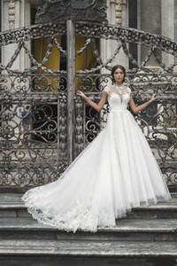 2019 Belle Haute Qualité cou dentelle robes de mariage Cap manches Décolleté Sheer Une ligne Robes de mariée Robes de mariée Appliqued Vintage