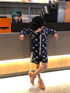 Yeni Yaz Suit Bebek Çocuk Baskı fermuarlar ceket + şort pantolon Günlük Sportsuits Güneş koruyucu eşofman Set
