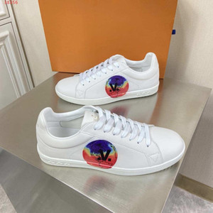 Boutiques are sold out White printing decoration fashion casual The high quality high-end casual shoes men Genuine leather men shoes
