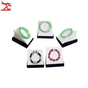 Suporte de Exibição de jóias Pulseira Stand Bangle Cabide Ramp Suporte De Madeira Adereços de Exibição de Jóias 5 pçs / lote Branco PU Veludo Preto