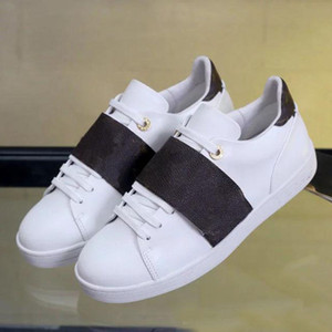 Sapatos de lazer Primavera Estilo De Couro designer de luxo Sapatos Brancos Com cinta sapatilhas dos homens e da mulher de Ginástica dança condução sapatos baixos 34-41