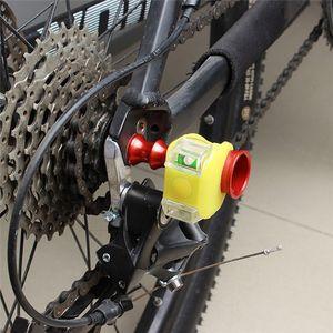 Bike Light Farol suporte da lâmpada Roda Quick Release Axis Desengate traseiro Protector bicicleta Luzes