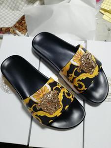 En 2020, el último diseñador de moda diseña la mayoría de las zapatillas de moda para los hombres y de las mujeres de la moda y el ocio,