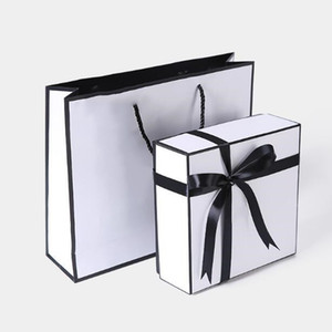 Luxe cadeau de Noël Boîte Camellia Tag sac de papier cadeau Sac à main écharpe de ceinture Boîte de rangement soie ceinture cache-poussière sacs accessoires