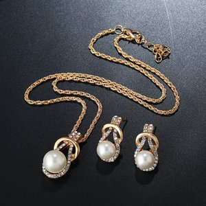 2019 New Arrival Fashion Pearl Crystal Necklace and Earrings Set for Women Statement Clothing Bridal Wedding Jewelry