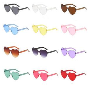 핫 하트 모양의 패션 선글라스 12 색 캔디 색상 고글 한 조각 무테 선글라스 저렴한 선글라스