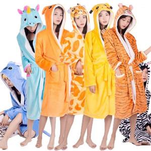 Kadın Ana Pijama Pijama Karikatür Karakter Ebeveyn Uyku Elbiseler Sevimli Modacı Rahat Kapşonlu Bornoz İç Giyim