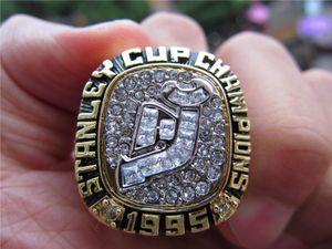 1995 뉴저지 악마 스탠리 컵 팀 챔피언십 반지 나무 디스플레이 상자 기념품 팬 선물 도매 2019 드롭 배송