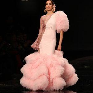 Haute Couture 2020 Mode Robes de bal Voir à travers dentelle à manches longues Pageant robe de soirée Puffy Layered Tulle Jupe Chic Robe