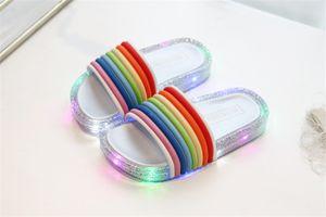 LED Gökkuşağı Çocuk Glitter Terlik Yaz Çocuk Yanıp sönen Jelly Sandalet Moda Pullarda Parlayan Sandalet Kızlar Seyahat Plaj Ayakkabı A5801