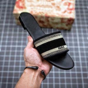 Париж Потертость женщины Трусы Летних сандалии пляж Slide Тапочки Девушка Вьетнамка Comfort Sexy Vintage Вышитых Цветочный