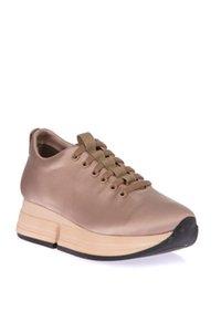Pearl Light Pink Women Sneaker 120130006508
