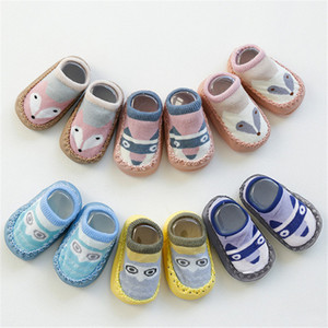 12 Styles Baby Socks Bambini Cartoon antiscivolo Primi calpestabili Calzini da pavimento in cotone Scarpe da bambino antiscivolo Calzini da bambino Scarpe da terra per bambini DHL