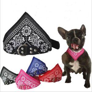 Pañuelo para perros mascota Bufanda Pañuelo perro Banda ajustable bufanda del triángulo collares para mascotas gato cachorro CollarsDog Accesorios Impreso Bufandas LSK81
