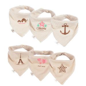 2017 infantil del bebé de la toalla del algodón del niño Triángulo baberos de la saliva con Chupete clip de anclaje Torre de la estrella del corazón rayado babero