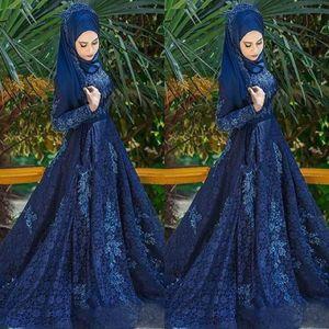 Navy Blue Muslim Muslim Bal Robes à manches longues Dentelle Applique Train De balayage Train formel Robes de soirée Plus Taille Robes de Soirée