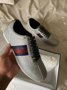 Glitter Designer Schuhe Herren Web Sneaker mit Nietenstreifen mit hochwertigem Casual Ace bestickten Dress Schuhe für Damen Silber bester Sneaker