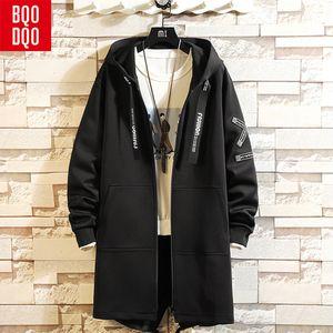 BQODQO Blanc À Lacets Tranchée Long Manteau Hommes Automne Style Coréen Hommes Manteau À Capuchon Hiver Hip Hop Streetwear Lettre Imprimer Veste