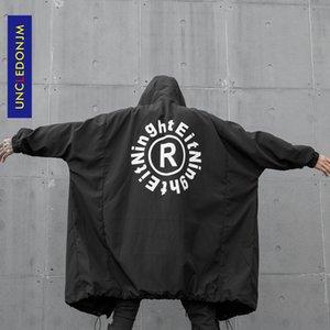 Brasão UNCLEDONJM Homens Gothic Trench Preto Longo Vintage Jacket encapuçado masculino Oversized Design Os homens / mulheres Cardigan Casacos W188 Brasão