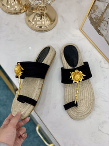 D2020 metal flower slippers, leather sandals, sandals, casual beach flat toe shoes