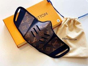 2020 Luxury Lovers Половина лицо Роты Обложка L V Маска конструктора Trend Обложка кожа дама сумочка мода сумка женщины Mens Рюкзак маска
