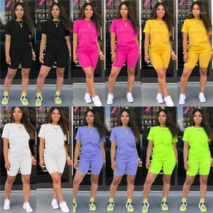 الملابس النسائية العارضة المصمم الصيفي الصلب اللون 2Pcs السراويل قصيرة الكم نمط الأزياء الرياضية