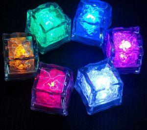 Cubo de hielo artificial LED Mini flash Cubo de cristal de luz luminosa para fiesta de bar Festival de bodas Día de San Valentín Decoración navideña XD20053