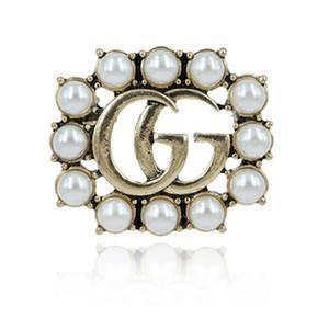 On Sale nuovo progettista Spille famoso Pearl Spilla diamante delle donne Spilla modo dei perni dei monili delle donne