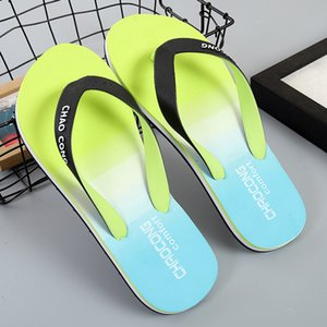 New style summer gradient slippers for outdoor men rubber wear-resistant beach shoes