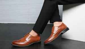 Mens Lace-Up Bullock scolpito Abito scarpe da sposa Appartamenti Ufficio Oxfords Scarpe da uomo Scarpe a punta scarpe formali di grandi dimensioni 47 48