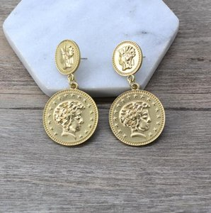 New ladies retro pendant round coin beauty head and earrings wholesale fast delivery