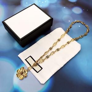 Vendita calda nuovo fiore retrò ciondolo lettera Hollow designer gioielli di Lusso Del Progettista Dei Monili Delle Donne Collana