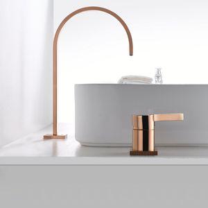 Bacia torneira do banheiro super longa tubulação dois furos Rose Gold generalizada banheiro torneira da pia torneira 360 rotação generalizada Tap bacia