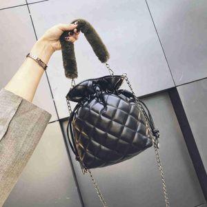 TCGAD Date 2019 MINI sac de seau Bohême style femmes PU Plaid en cuir sac à bandoulière dame en cuir en peluche chaîne sac à main femme