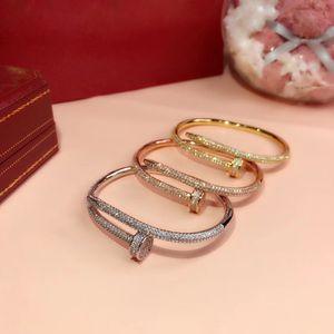 2019Popular brand S925 silver plated nail Bracelet 5A zircon screw Bracelet classic design trend fashion dance party couple luxury Bracelet