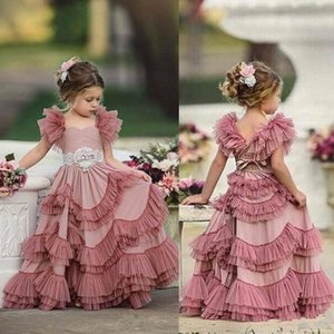 2020 Plum Pink Capped Sleeves Blumenmädchenkleider Spitze Appliques Spaghetti Tüll Tiered Kids Lace Blumenmädchenkleider für die Hochzeit