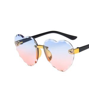 Moda Óculos de sol meninas Coração ÓCULOS DE CRIANÇA óculos de sol Menino de alta qualidade UV400 Shades para Crianças