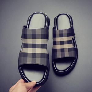 Мужские тапочки 2020 Summer Casual Wear Outer Молодежно-корейский стиль Открытый Слово сандалии Mens-